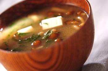 納豆ナメコ汁