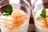 桃とアロエヨーグルト