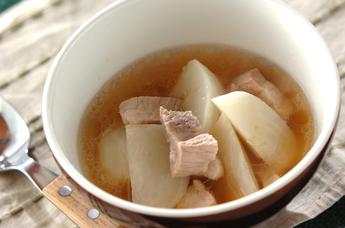 豚バラとカブのスープ