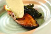 ホワイトソースがけ鮭のソテーの作り方5