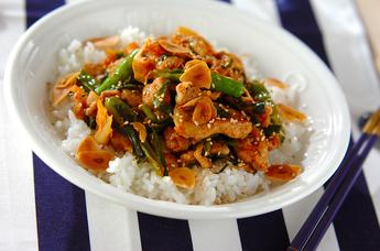 豚肉と白菜キムチの炒め丼