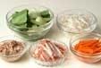 モヤシのカラフルサラダの下準備1