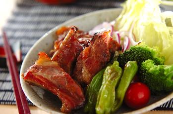梅風味の豚バラ肉焼き