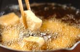 揚げ豆腐の甘辛炒めの作り方1