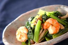 エビと小松菜の塩炒め