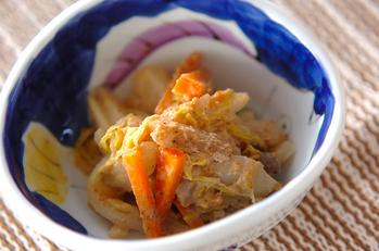 大根とニンジンのゴマ酢