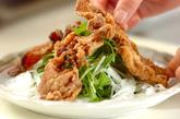 カリカリ豚と水菜のサラダ仕立ての作り方2