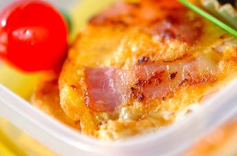 ベーコンと卵のペタンコ焼き