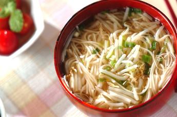 素麺とモヤシのスープ