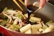 ウドとフキのバルサミコソテーの作り方4