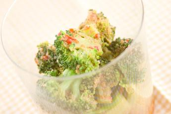 ブロッコリー豆板醤サラダ