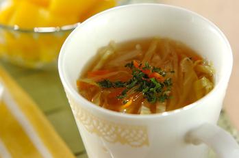 たっぷりせん切り野菜のスープ