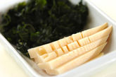 タケノコとワカメのみそ汁の下準備1