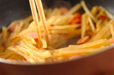 ジャガイモとソーセージのきんぴらの作り方2