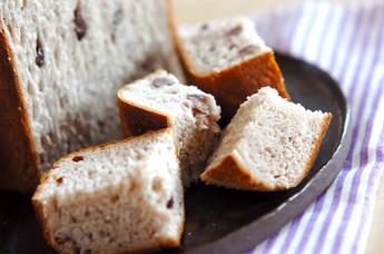 ダブル小豆とご飯のパン