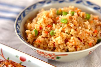 玄米の具だくさん炊き込みご飯