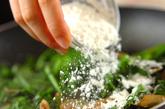 カキとホウレン草のクリーム煮の作り方2