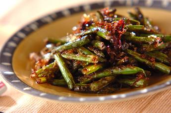 サヤインゲンとニンニクの芽の炒め物