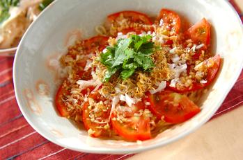 トマトとジャコの冷やし中華