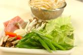 10分で!野菜炒めのせしょうゆラーメンの作り方3