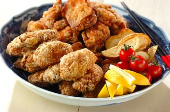 鶏唐揚げとフライドポテト