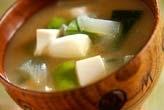豆腐と青ネギのみそ汁