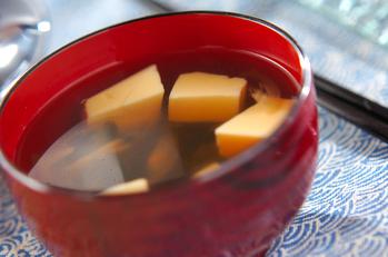 卵豆腐と茎ワカメのお吸い物