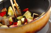 ナスとコンニャクのバジル炒めの作り方1