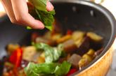 ナスとコンニャクのバジル炒めの作り方2