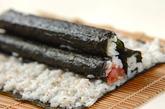 三色巻き寿司(恵方巻き)の作り方3