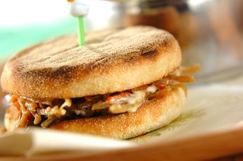 ゴボウサラダのサンドイッチ