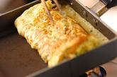 チーズ入り卵ロールの作り方3