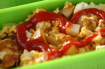 ジャガイモと卵の炒め物