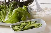 炒め納豆サラダ巻きの作り方1