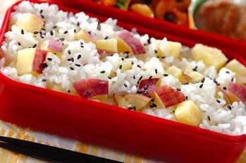 サツマイモの混ぜご飯