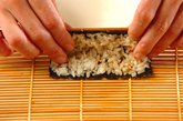 くまさんデコ巻き寿司の作り方7