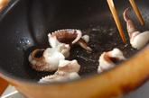 イカゲソのソース炒めの作り方1