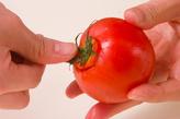 トマトとレタスのサラダの下準備1