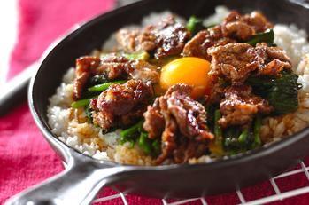 ビビンバ風焼き肉丼