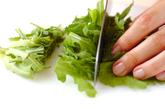 大葉と菊菜のかき揚げの下準備2