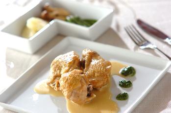 鶏もも肉のワインビネガー煮込み