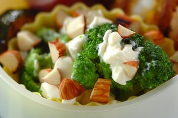 ブロッコリーとクリームチーズのサラダ