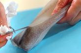 イカとセロリのショウガ酢和えの下準備1
