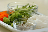 たっぷりゆで野菜サラダの下準備1