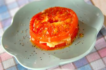 トマトとチーズのサンドソテー