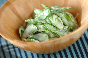 緑野菜のヨーグルトサラダ