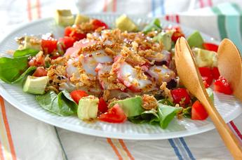 タコとアボカドのお刺身サラダ