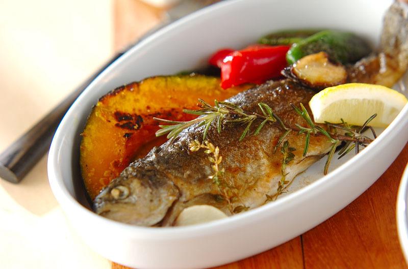 釣りの定番《ニジマスレシピ特集》アウトドアにも使える料理をご紹介