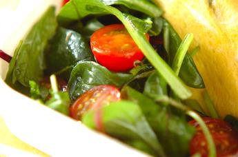 トマトとベビーリーフのイタリアンサラダ