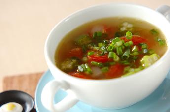 オクラとトマトのスープ
